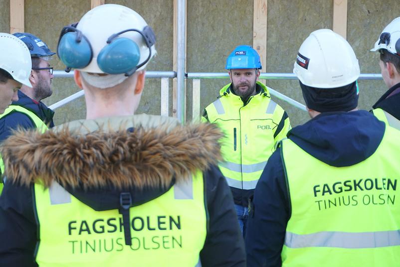Bygg-studenter besøkte POB i Kongsberg